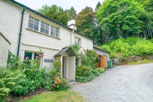 self catered old farmhouse, Ambleside - sleeps 8